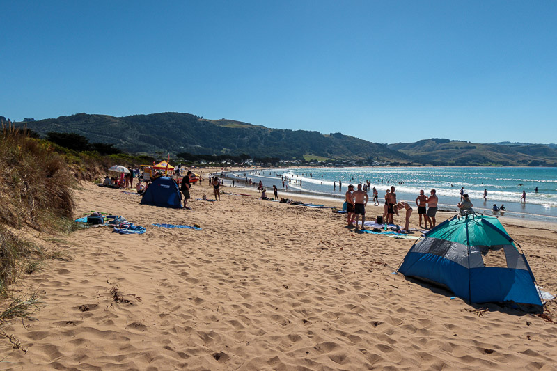 Australia-Cape Otway-Apollo Bay-Lorne - Here is the main beach at Apollo bay. I thought it was busy, busier beaches were to come later.