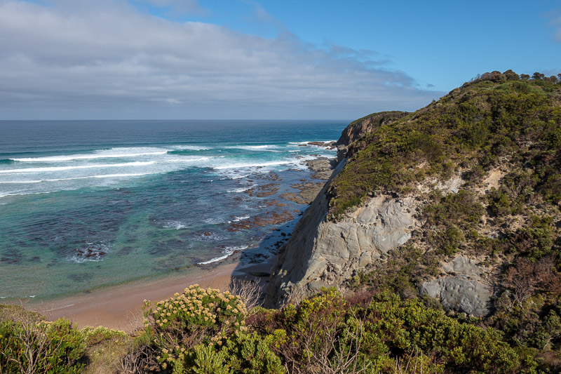 Australia-Cape Otway-Twelve Apostles-Port Campbell - On the road now, and the first stop is the Castle Cove lookout. Behold the view.