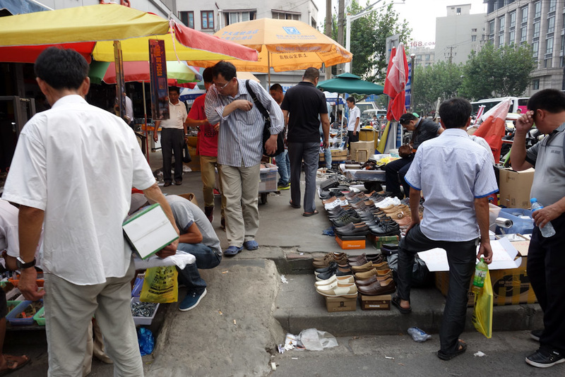 China-Shanghai-Market-Airport - I eventually found myself at what is supposed to be the stolen goods market.