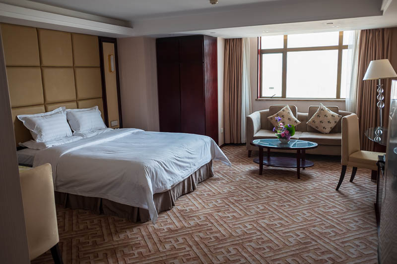 China-Beijing-Zhengzhou-Bullet Train - Now we get the pics of my room, its actually an apartment, absolutely enormous.