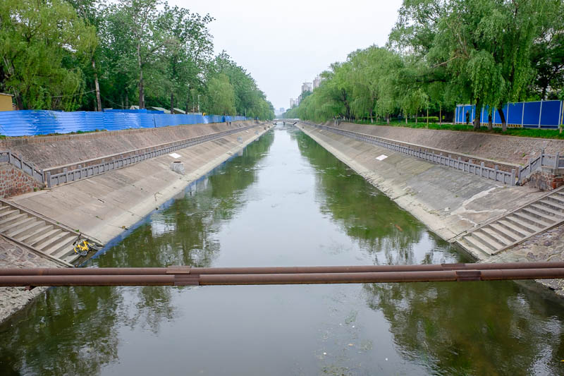 China-Zhengzhou-Park-Mall-Walk - My journey then took me past the local drain, quite picturesque, didnt smell.