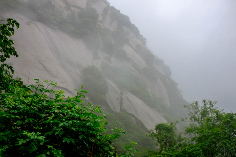 China-Hiking-Rain-Huashan-Soldiers Path - Huge rock faces, I think! Reminded me of Taroko gorge in Taiwan.