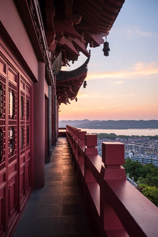 China-Hangzhou-West Lake-Temple of God - Decent photo me thinks.