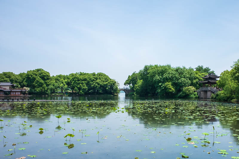 China-Hangzhou-West Lake-Hiking - I was now back to where the causeway joined back onto the non causeway. In the last week of my life I have had cause to say the word causeway more tim