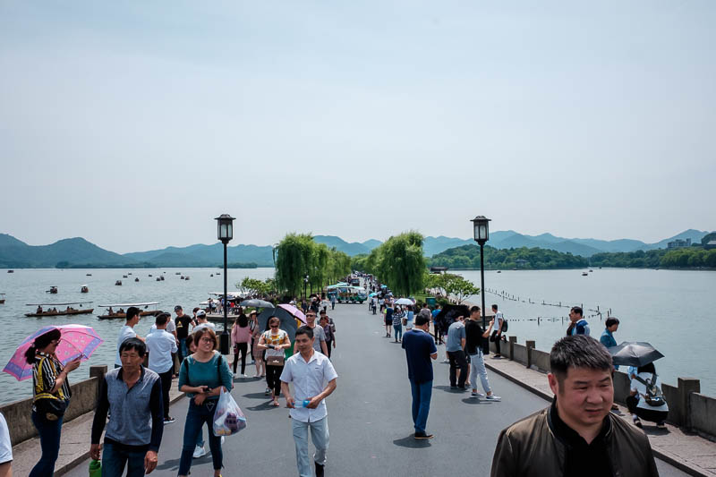 China-Hangzhou-West Lake-Hiking - This is the shorter of the two causeways, I did walk along this one, otherwise you walk along a busy road with noisy traffic. You can see the minibuse