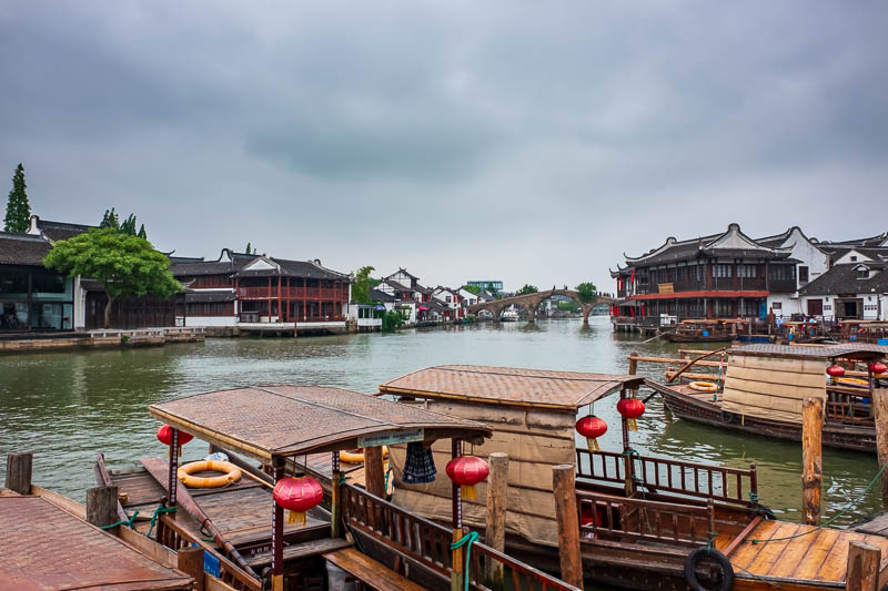 China-Shanghai-Zhujiajiao-Parrot - Here we have the main river running through the area, you can see a bridge going over it, guess where the next photo will be from?