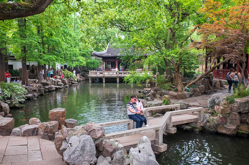 China-Shanghai-Park-Yuyuan Garden - Probably the nicest place for a photo, that couple sitting on the bridge thought so also. Me and 25 other people waited for ages for them got get out