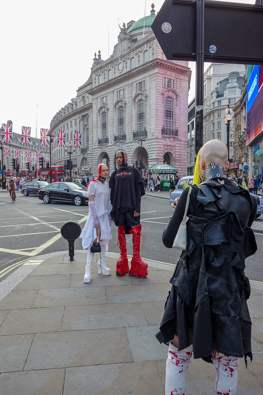 England-London-China Town-Picadilly Circus - There were also some freaks to entertain me.