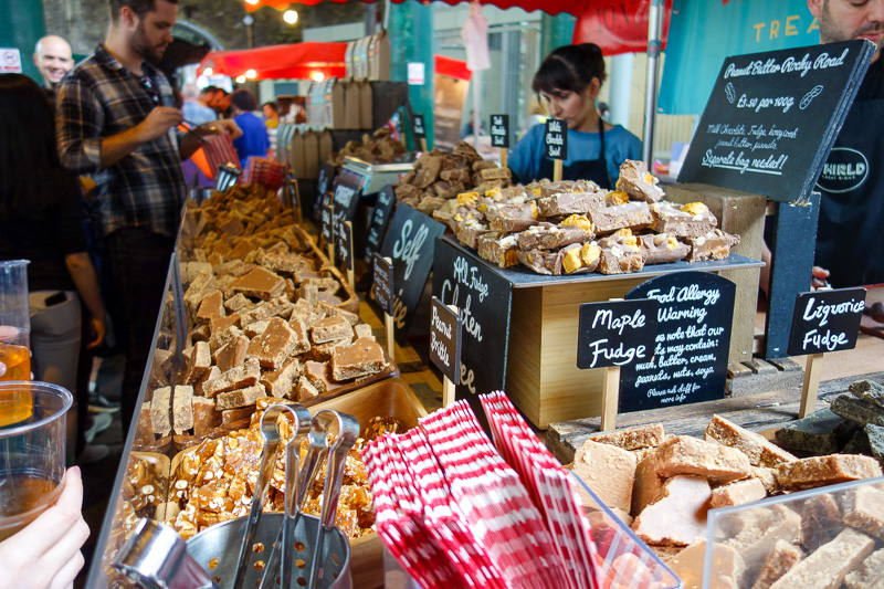England-London-Tower Bridge-Burrough Market - Back in the market I decided to try some fudge.