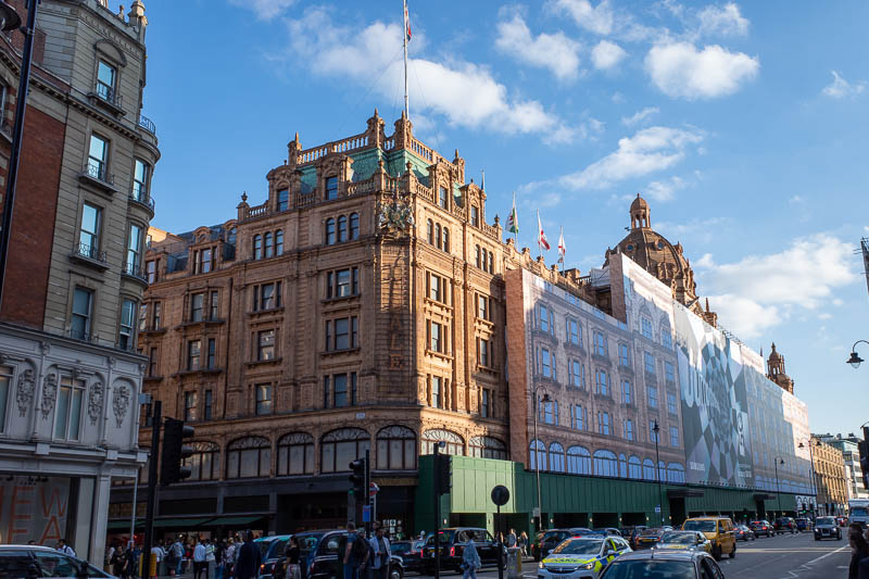 England-London-Hyde Park - Harrods is now a giant Samsung ad.