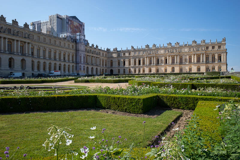 France-Versailles-Palace-Garden - I wandered over to the other side, where the garden was in a bit better condition.
