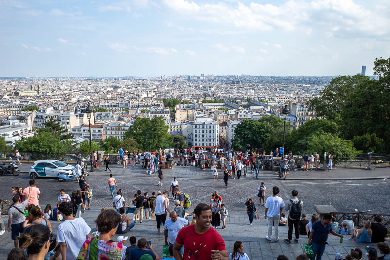 France-Paris-Montmartre - There is Paris. All the same height and color.
