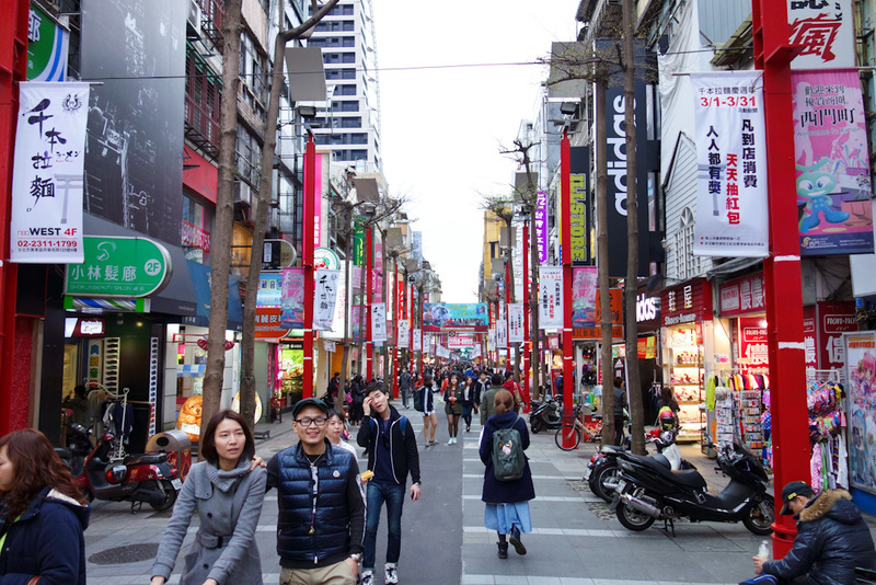 Taiwan-Taipei-Ximending-Shopping Street - Ximen area. Its early and quiet, 2 hours later and I couldnt move here.