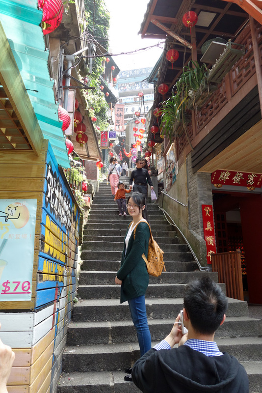 Taiwan-Ruifang-Jiufen-Hiking-Keelung Mountain - Building a town on a steep hill makes for interesting streets.
