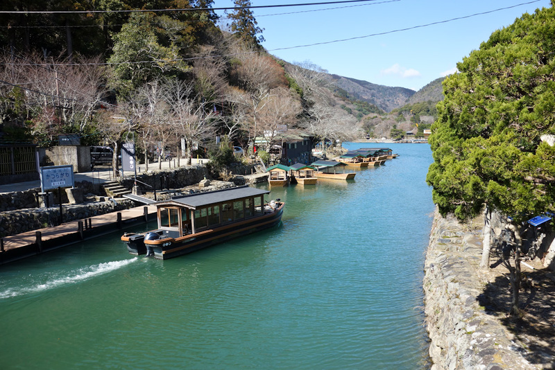 Japan-Kyoto-Arashiyama-Hiking-Bamboo-Monkeys - The view up stream is good, you can rent boats. Not one boat was rented.
