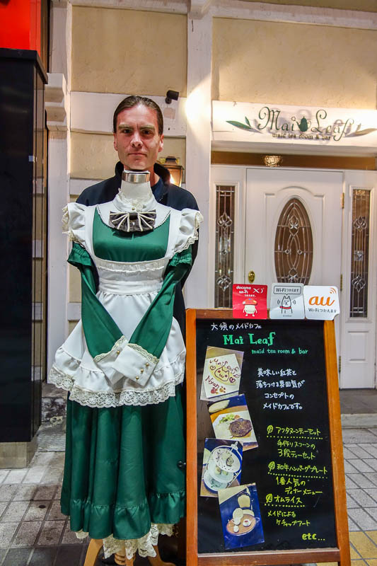 Japan-Nagoya-Shopping Street-Oso-Food - I tried on a maid outfit.