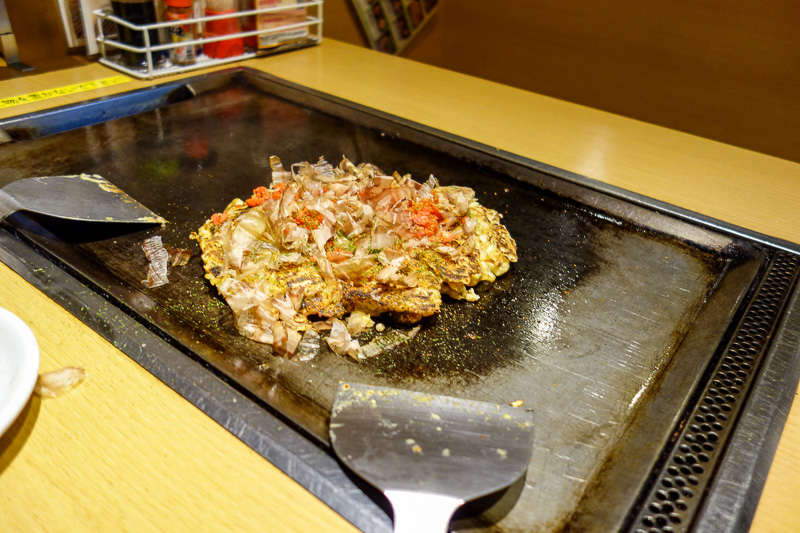 Japan-Sapooro-Mall-Food-Okonomiyaki - Flipping my own food