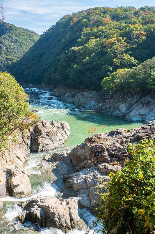Japan-Hiking-Namaze-Tunnel - And now the real hike begins, with huge spectacular rocks in the raging river, and some nice foliage to admire. It would be great for white water raft