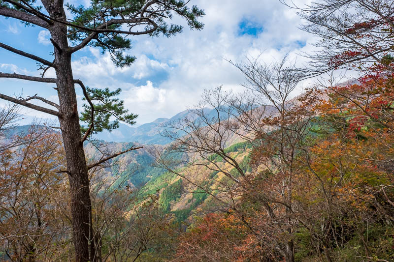Japan-Hiking-Mount Tanzawa-Shibusawa - First view of the other side of the mountain range.