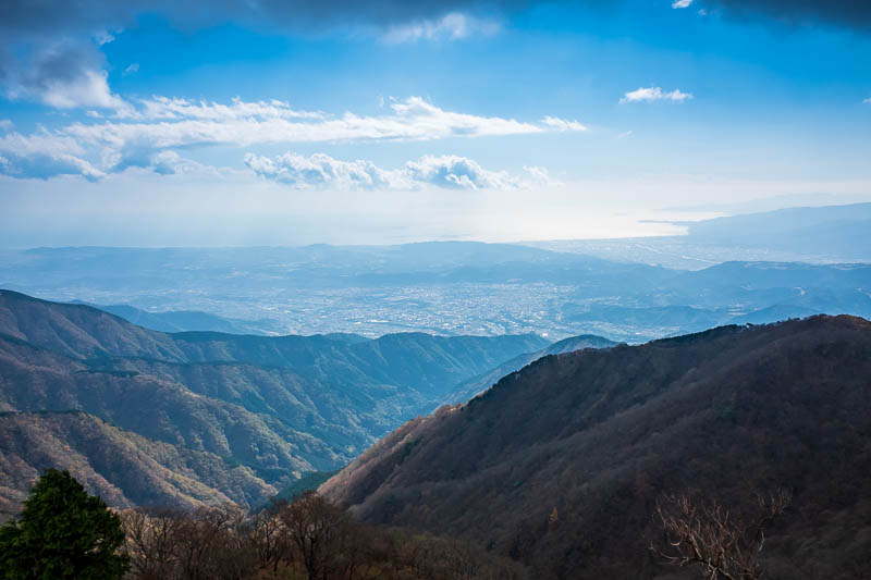 Japan-Hiking-Mount Tanzawa-Shibusawa - Pretty high up how but still not the summit. More great views of the ocean.