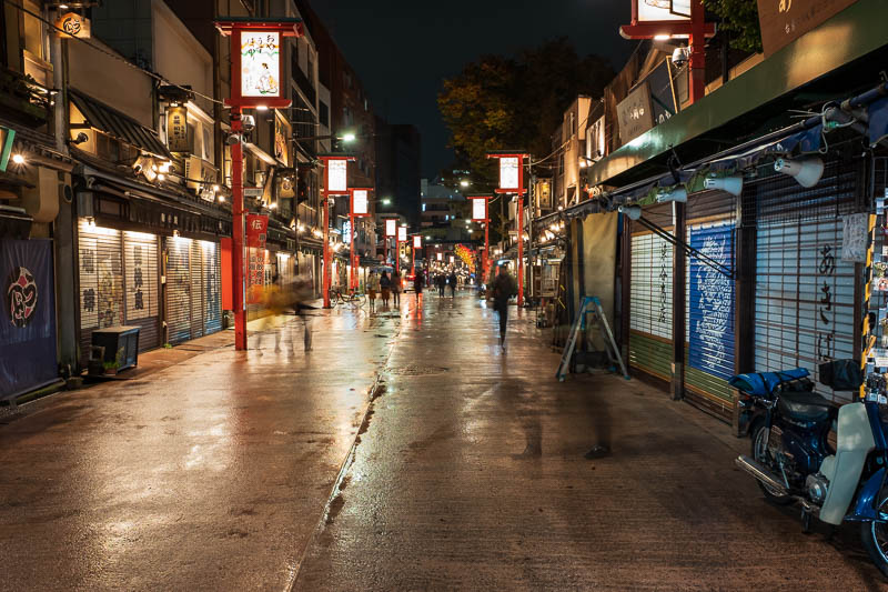 Japan-Tokyo-Asakusa-Skytree-Food - Heres a long exposure, because there was a sign to rest my camera on.