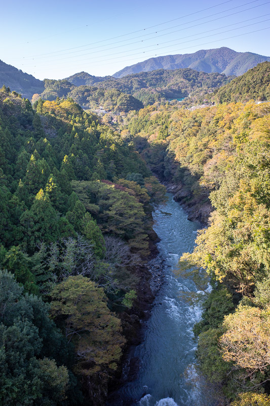 Japan-Tokyo-Hiking-Mount Kuratake - And now for the ravine shots from Yanagawa. Not bad, wires in the way.