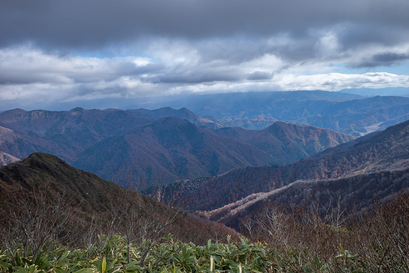 Japan-Hiking-Mount Tanigawa-Doai Station - And the other valley.