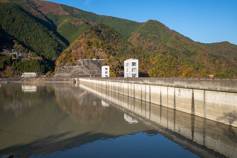 Japan-Hiking-Okutama-Mount Gozenyama - Another view of the dam and the brown dam water.