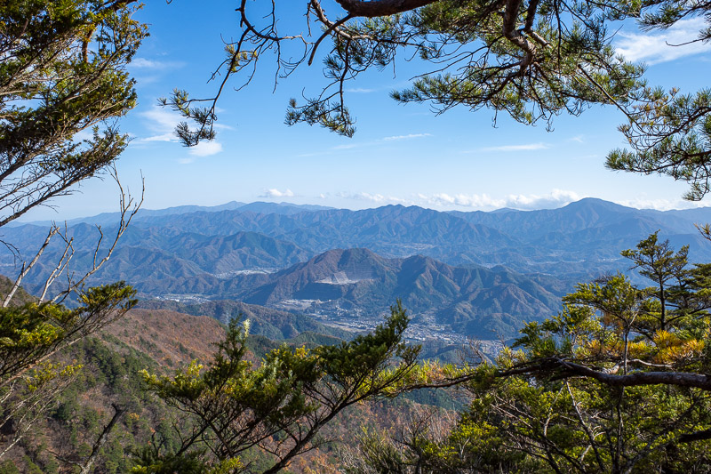 Japan-Tokyo-Hiking-Sasago-Mount Takigoyama - Another view up the valley.