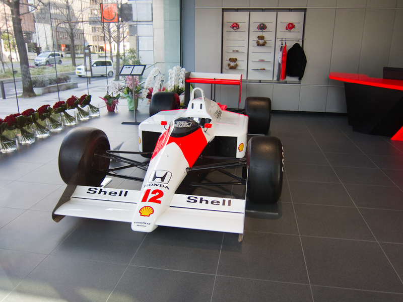 Japan-Osaka-Aquarium - On my walk to the subway, I passed the Mclaren dealer. This claims to be the real thing, as driven by Ayrton Senna. Back in the days when F1 cars look