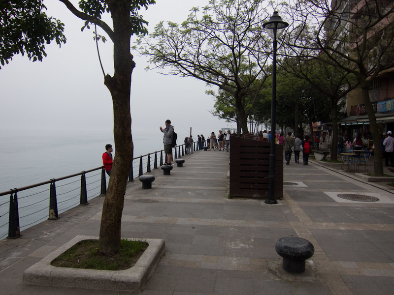 Taiwan-Ferry-Danshui-Tamsui-Bali - People enjoy fishing here, and then eating whatever they pull out of the water. It actually looks quite clean.