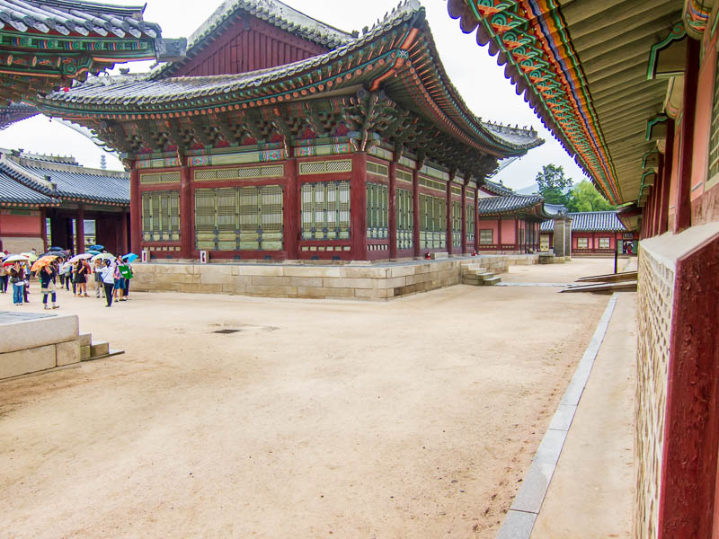 Korea-Seoul-Gyeonbok-Palace-Pho - Random courtyard, the gravel made way for lawns as you got further into the compound.