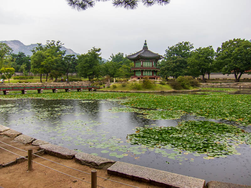 Korea-Seoul-Gyeonbok-Palace-Pho - A Lake area.