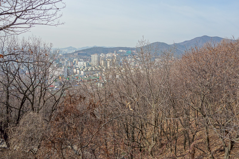 Korea-Incheon-Songdo-Hiking-Gaesan - Now for many mountain pictures. Half way up or there abouts. There were actually 3 ridges to go up and down before the ascent to the summit.