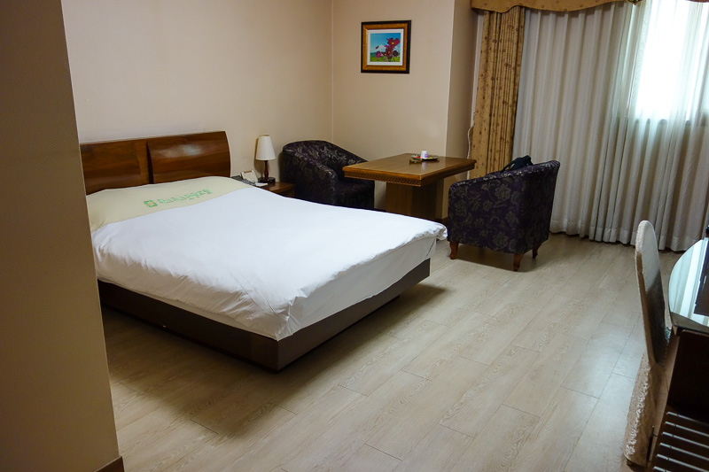 Korea-Busan-Gwangju-Bus - Now, room shot number 1. The bed manages to be harder than granite. It is now made of pure carbonite.