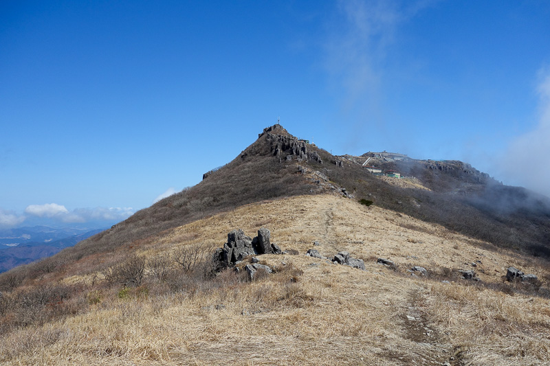 Korea-Gwangju-Hiking-Mudeungsan - It was a little annoying to not be allowed up the top. Throughout the day I could hear machine gun fire, and periodically loud speakers were shouting