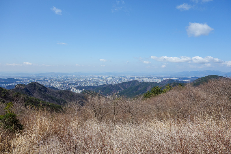 Korea-Gwangju-Hiking-Mudeungsan - So clear today. I was complaining about the rain, but its the reason for my excellent photos.