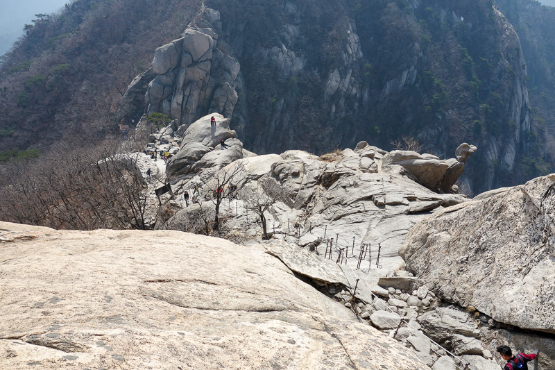 Korea-Seoul-Hiking-Bukhansan-Baegundae - Yellow sand day