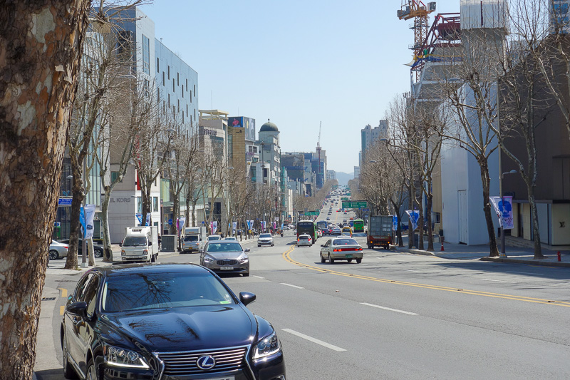 Korea-Seoul-Gangnam-Insadong-Mall - Go round a corner and it keeps going. Not much pollution today.
