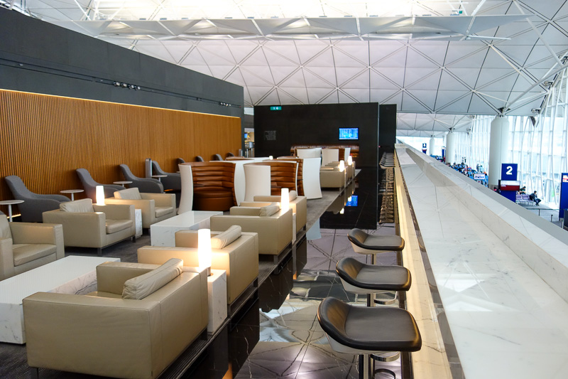 Hong Kong-Airport-Lounge - Now this is the wing, lounge number 4, Cathays main first class lounge. The others have small first class areas which are just seats in a quiet area.