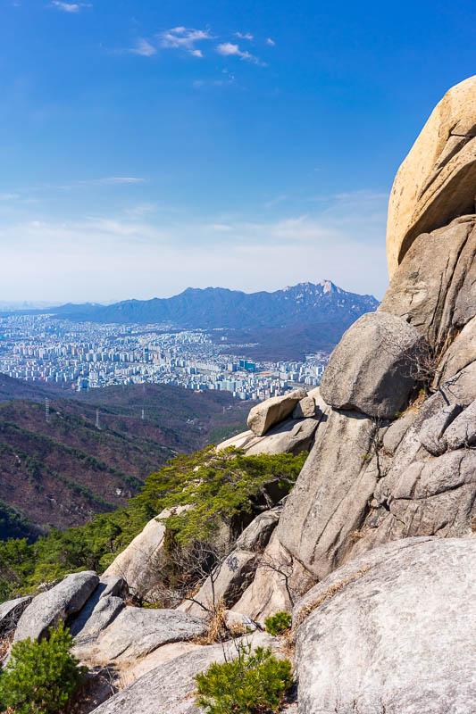 Korea-Hiking-Suraksan - After successfully negotiating this perilous precipice, I took a photo back from where I had come.