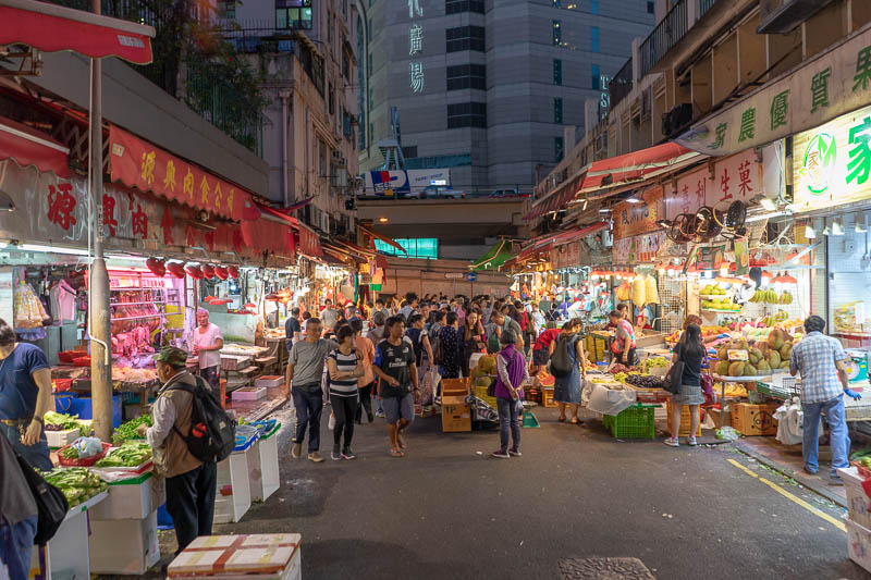 Hong Kong-Tram-Curry - And here is a market. Nothing special about this market, they generally make for nice night / dusk photos.