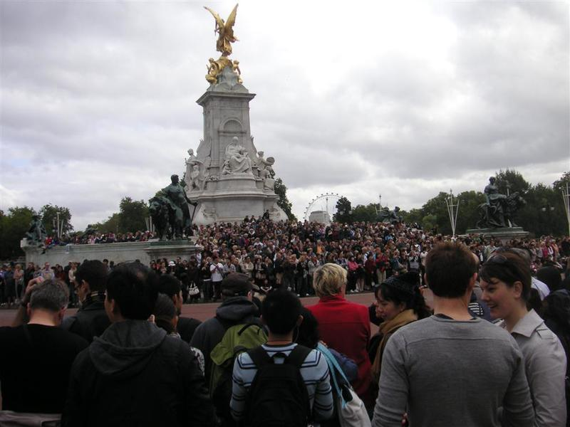 England-London-Greenwich-Ferry-Buckingham Palace - A million people waiting for a brass band.