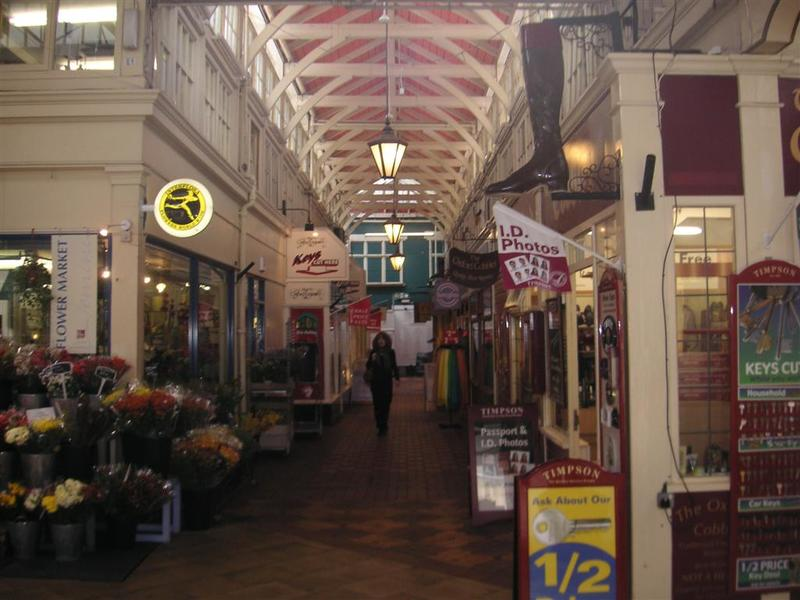 England-Oxford-Garden-Castle - The historic covered market, it smelt of rotten fish.