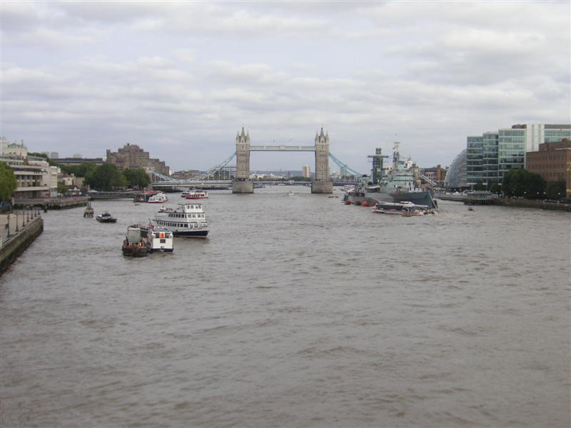 England-London-Tower Bridge-Monument - Online