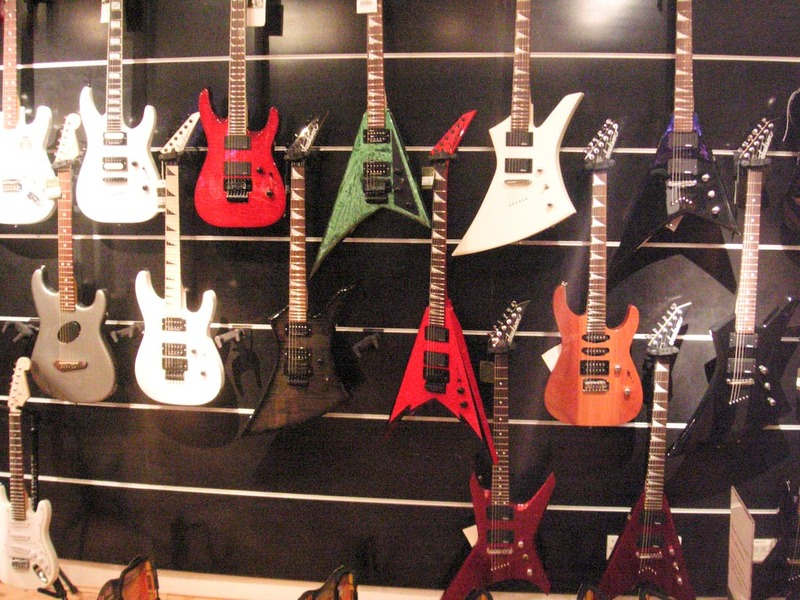 England-London-Heathrow-Guitar - Harrods