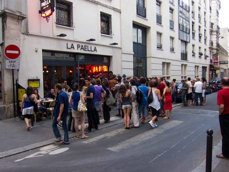 France-Paris-La Defense-Architecture - Near my hotel, Spaniards gathered in the street outside La Paella to watch the football. I am preparing for a potential riot. Something funny is my ho