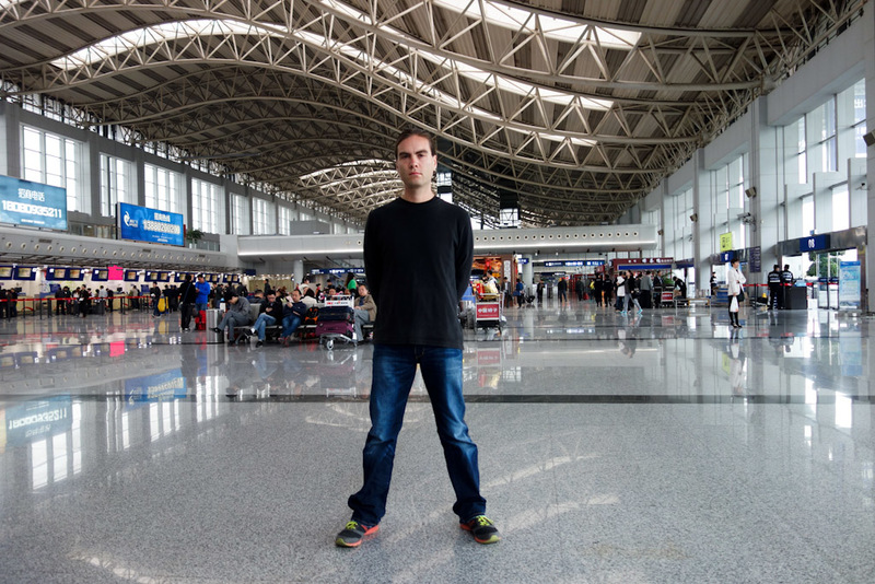 China-Chengdu-Airport-Lounge - Its me in the very grey, very sparsely populated check in hall of Chengdu airport.