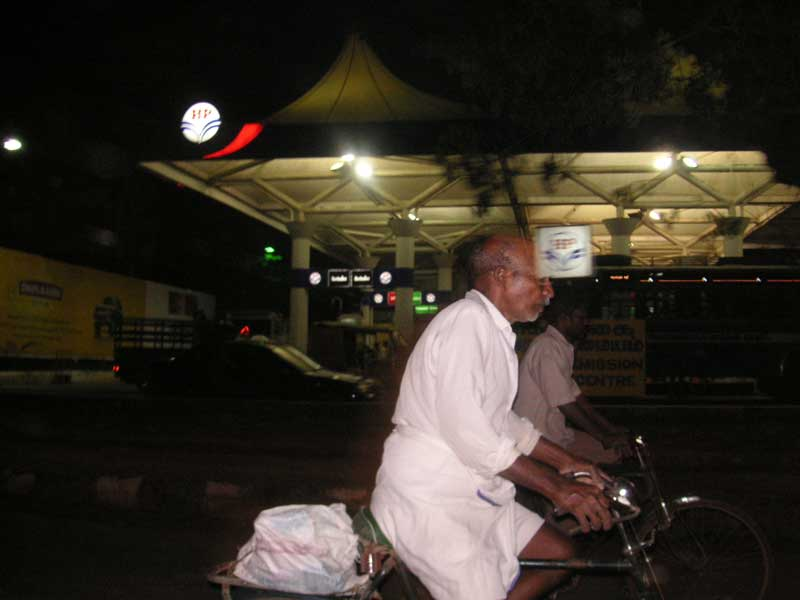 India-Chennai-Traffic - Another gas station.