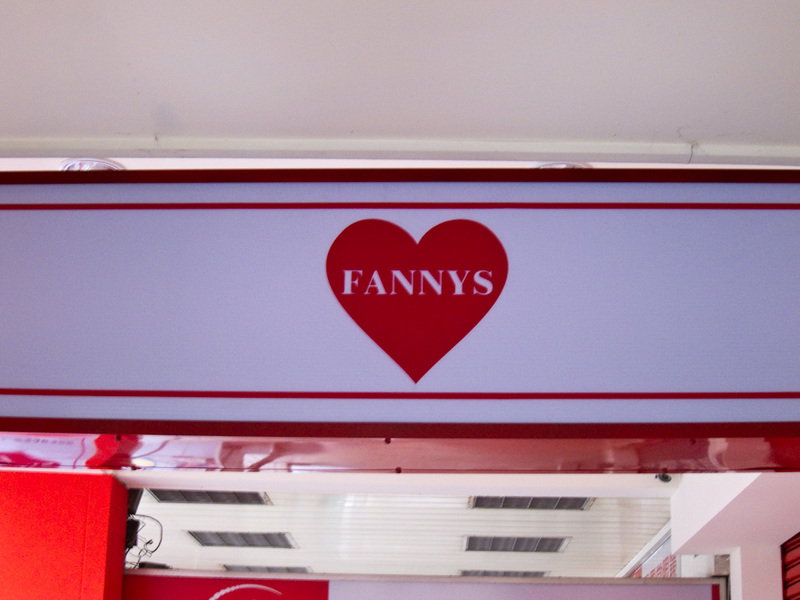 Taiwan-Kaohsiung-Bullet Train - In Taiwan, they love Fannys.